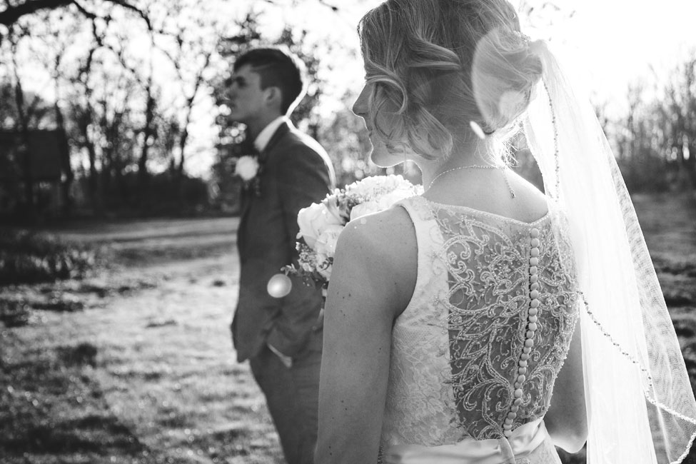 Contemporary Vintage Grove Redfield Estate Wedding In Illinois | Photograph by Korto Photography  http://storyboardwedding.com/vintage-grove-redfield-estate-wedding