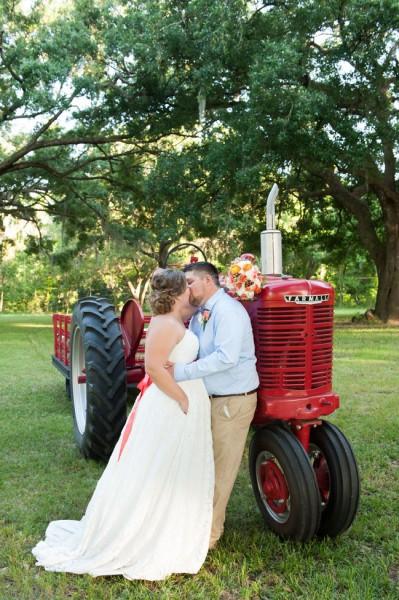 Hitching_Post_Barn_Wedding_Sarah_&_Ben_42-v