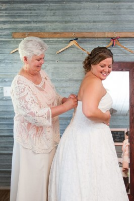 Hitching_Post_Barn_Wedding_Sarah_&_Ben_6-lv