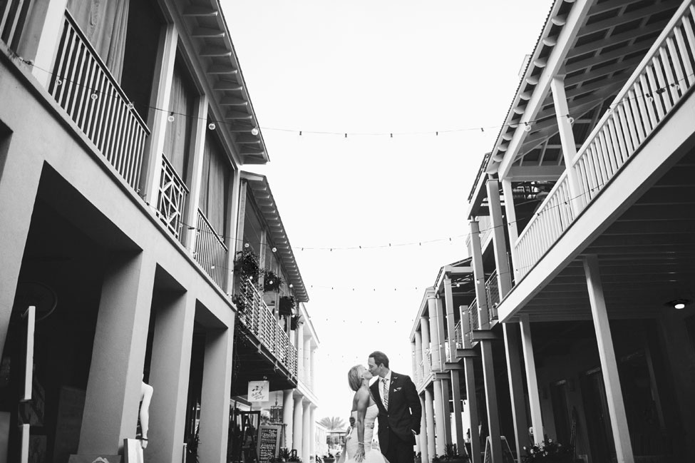 Truman Show Perfection In This Photo Perfect Seaside Florida Wedding | Photograph by Hello Miss Lovely  http://storyboardwedding.com/truman-show-perfection-photo-perfect-seaside-florida-wedding/