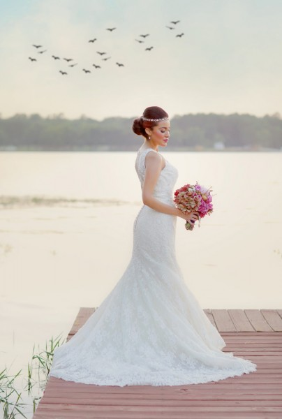 Early Fall Texas Wedding Bridals Set At Lake Tyler Petroleum Club | Photography by Gema  http://storyboardwedding.com/early-fall-texas-wedding-lake-tyler-petroleum-club/