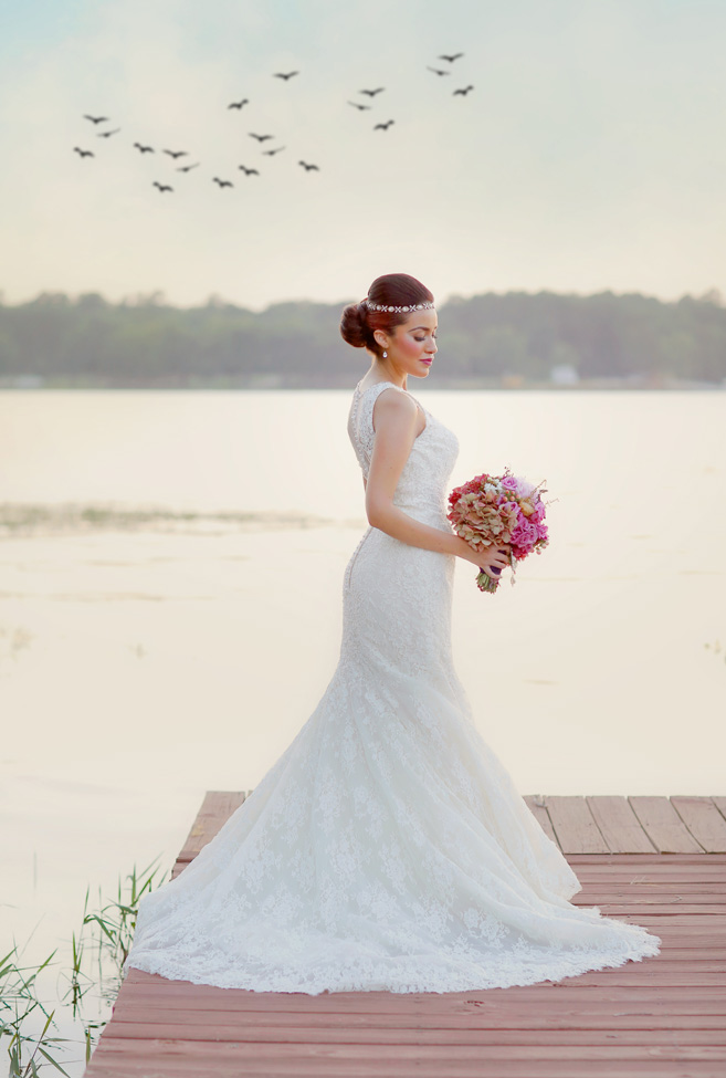 Early Fall Texas Wedding Bridals Set At Lake Tyler Petroleum Club | Photography by Gema  https://storyboardwedding.com/early-fall-texas-wedding-lake-tyler-petroleum-club/