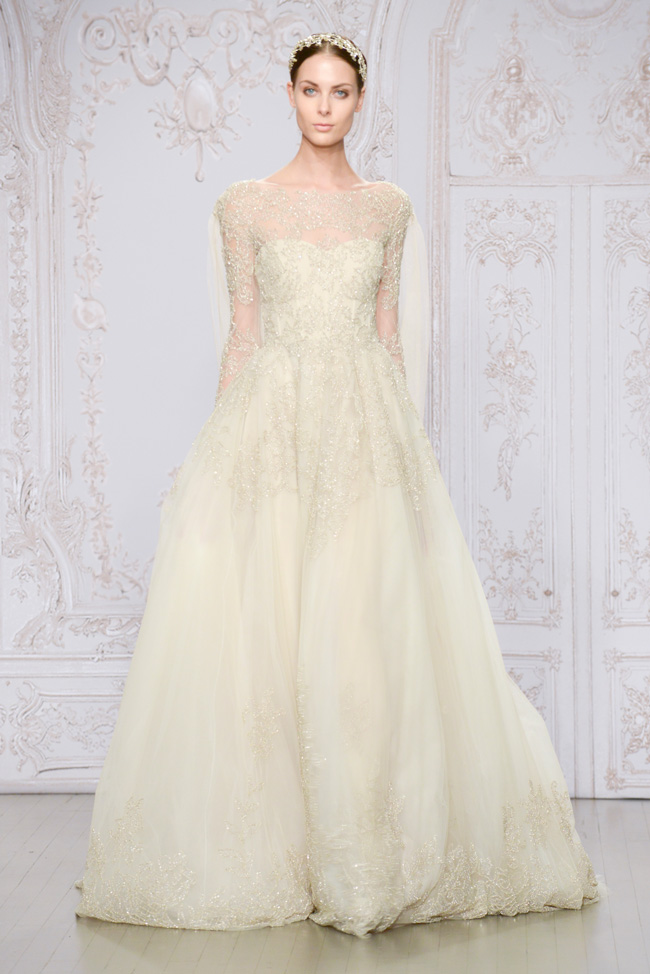 Monique Lhuillier Fall 2015 Bridal Collection https://storyboardwedding.com/monique-lhuillier-fall-2015-bridal-collection/