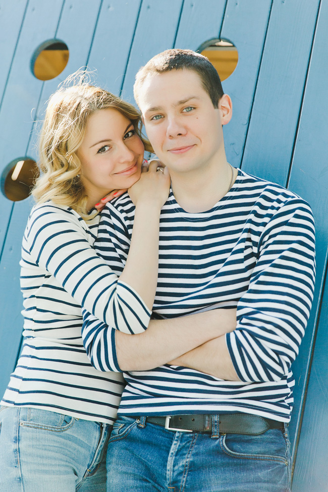 Nautical Infused Whimsical Engagement Session With Sailor Flavor | Photograph by WarmPhoto Photography  http://storyboardwedding.com/nautical-whimsical-engagement-session/