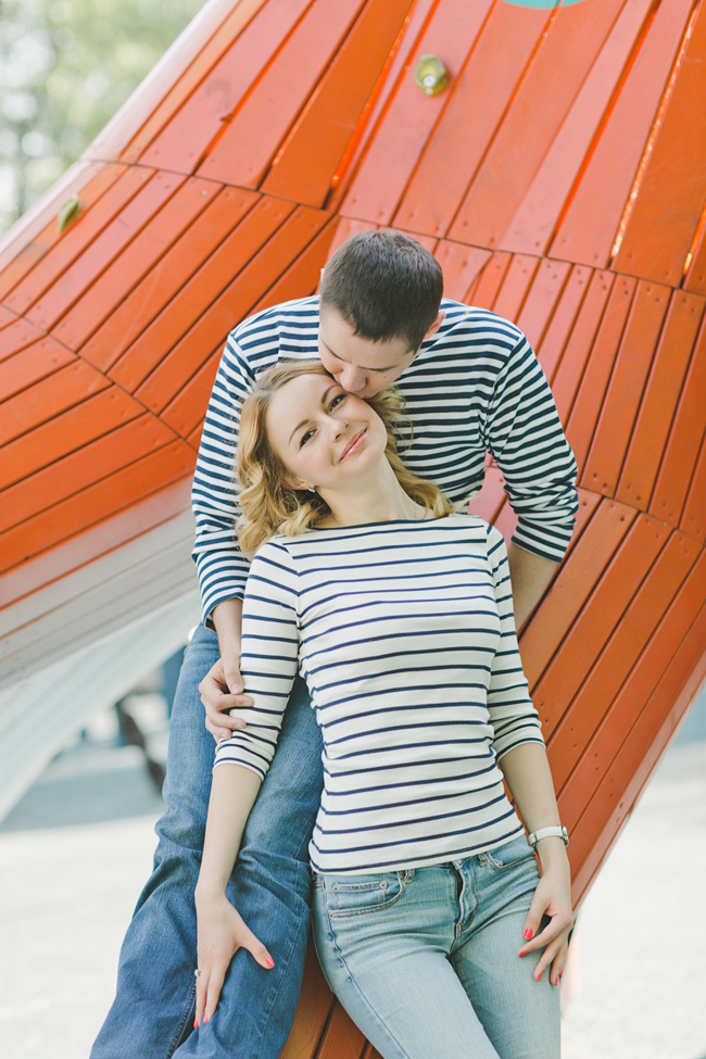 Nautical Infused Whimsical Engagement Session With Sailor Flavor | Photograph by WarmPhoto Photography  https://storyboardwedding.com/nautical-whimsical-engagement-session/