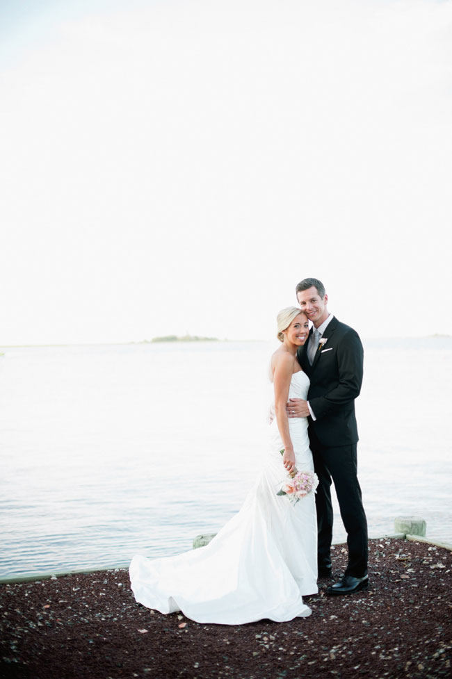 New Jersey Mallard Island Yacht Club Upscale Nautical Wedding | Photograph by Off BEET Productions  https://storyboardwedding.com/new-jersey-mallard-island-yacht-club-nautical-wedding/