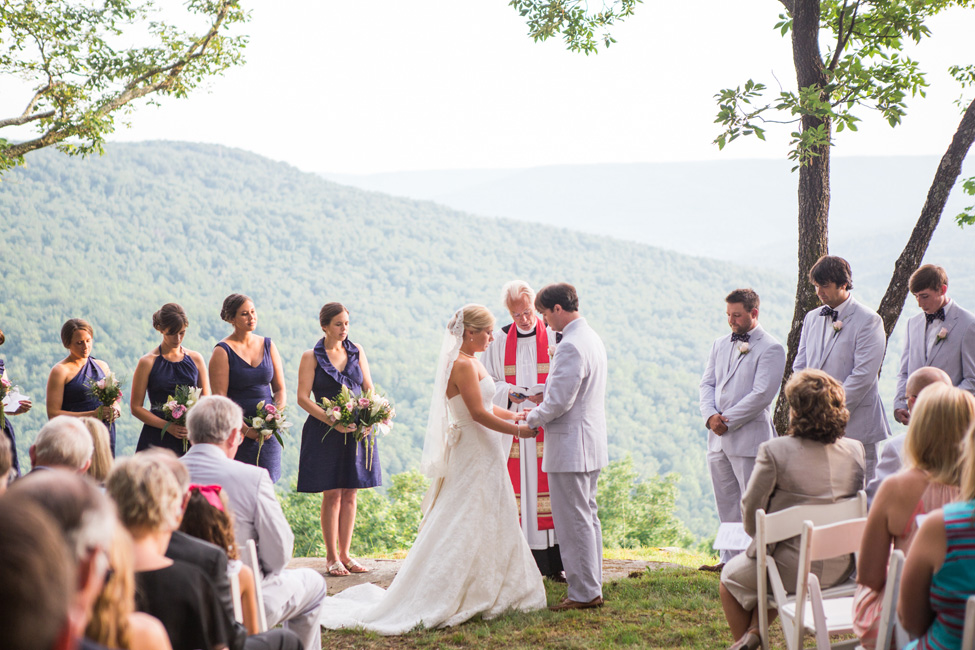 Rustic Preppy Barn Wedding In The Mountains of Tennessee | Photograph by Cortney Smith Photography  https://storyboardwedding.com/rustic-preppy-barn-wedding-mountains-tennessee/