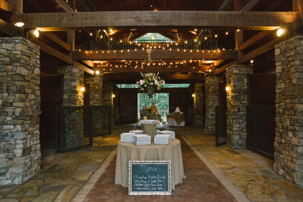 Rustic Preppy Barn Wedding In The Mountains of Tennessee | Photograph by Cortney Smith Photography  http://storyboardwedding.com/rustic-preppy-barn-wedding-mountains-tennessee/