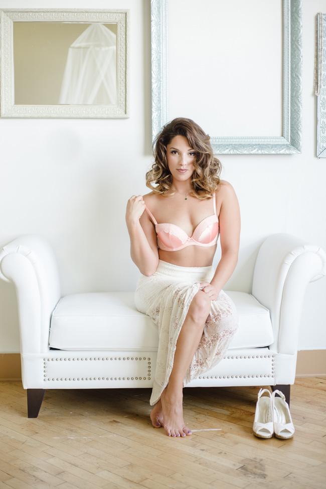 Feminine & Dreamy Daytime Boudoir | Photograph by Stephanie Karen Photography  https://storyboardwedding.com/feminine-dreamy-daytime-boudoir/