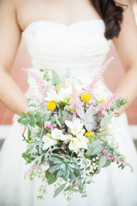 Light & Lovely Vintage Garden Wedding At The Sonnenberg Garden...