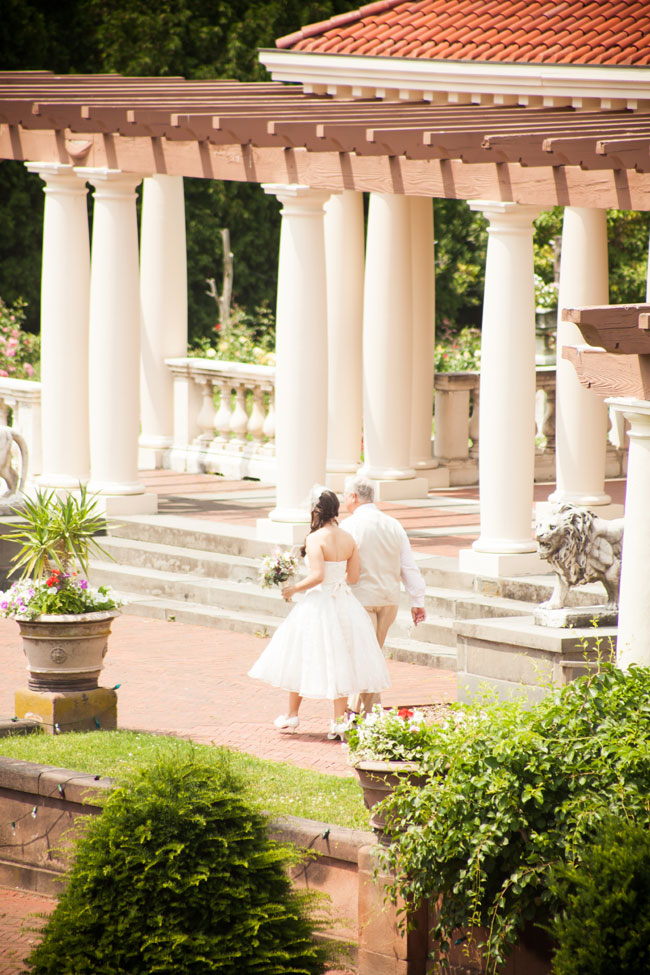 Light & Lovely Vintage Garden Wedding At The Sonnenberg Gardens New York | Photograph by Fife Photography  http://storyboardwedding.com/vintage-garden-wedding-sonnenberg-gardens-new-york/