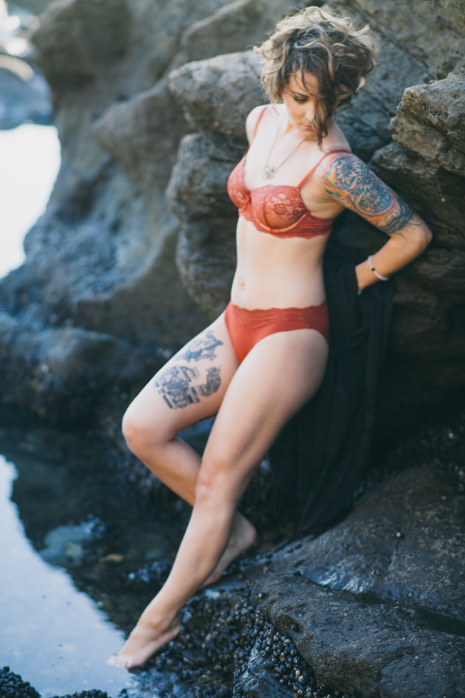 Romantic & Edgy Beach Boudoir Session Along Volcanic Pools | Photograph by Alexandra Wallace  http://storyboardwedding.com/romantic-beach-boudoir-shell-beach/