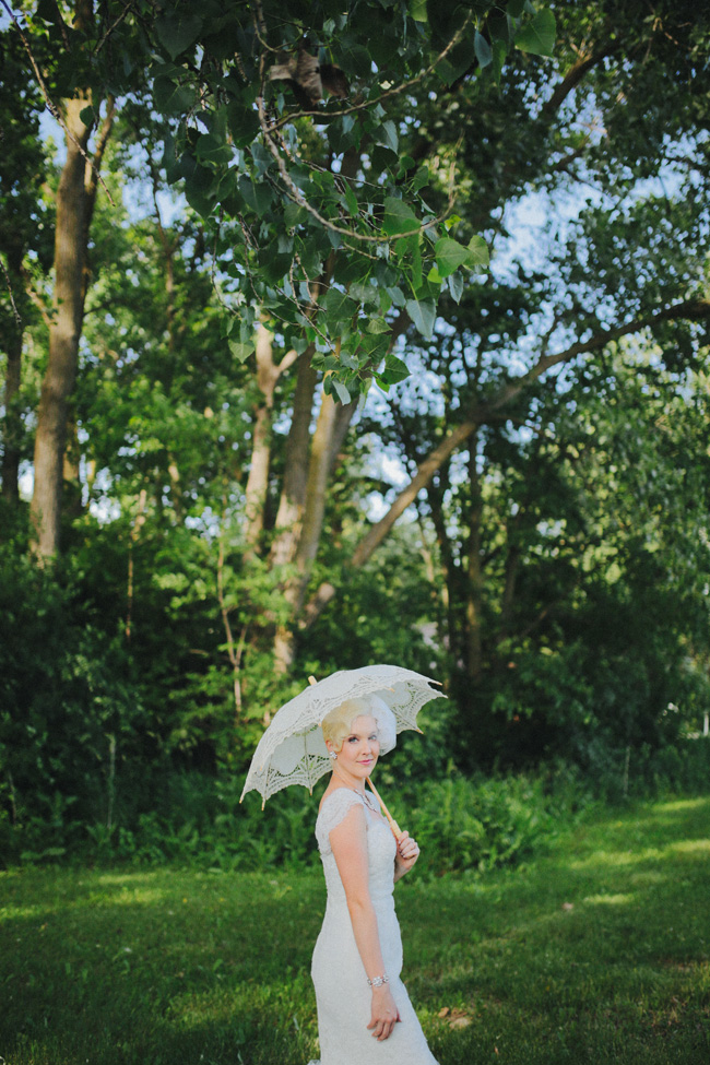 Enchantingly Chic Vintage Wedding Lakeside In Illinois | Photograph by Megan Saul Photography  https://storyboardwedding.com/chic-vintage-wedding-illinois/