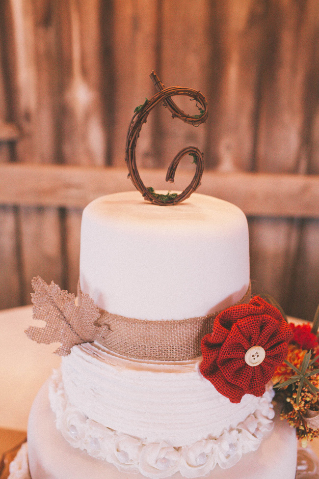 Late Fall Rustic Wedding At L abri at Linwood North Carolina | Photograph by Elizabeth Marie Photos  https://storyboardwedding.com/late-fall-rustic-wedding-labri-at-linwood-north-carolina/