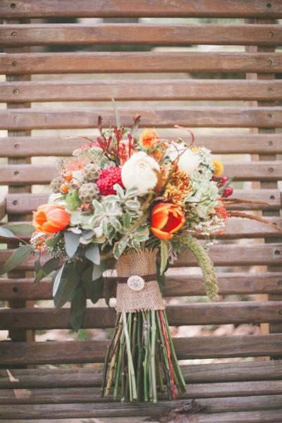 Late_Fall_Rustic_Wedding_Elizabeth_Marie_Photography_43-v