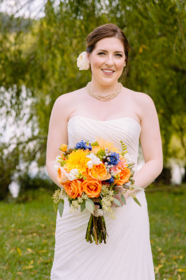 North Carolina Mountain Wedding At Claxton Farm | Photograph by Jen Yuson Photography  http://storyboardwedding.com/north-carolina-mountain-wedding-claxton-farm/
