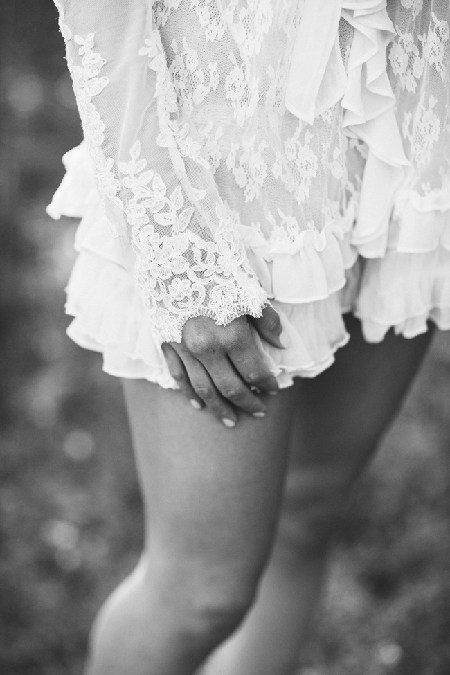 Wonderfully Delicate & Pure Black And White Boudoir Session  https://storyboardwedding.com/delicate-black-and-white-boudoir-session/