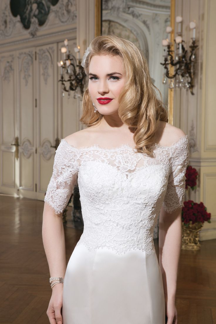 Justin Alexander Style 8765 Front Detail