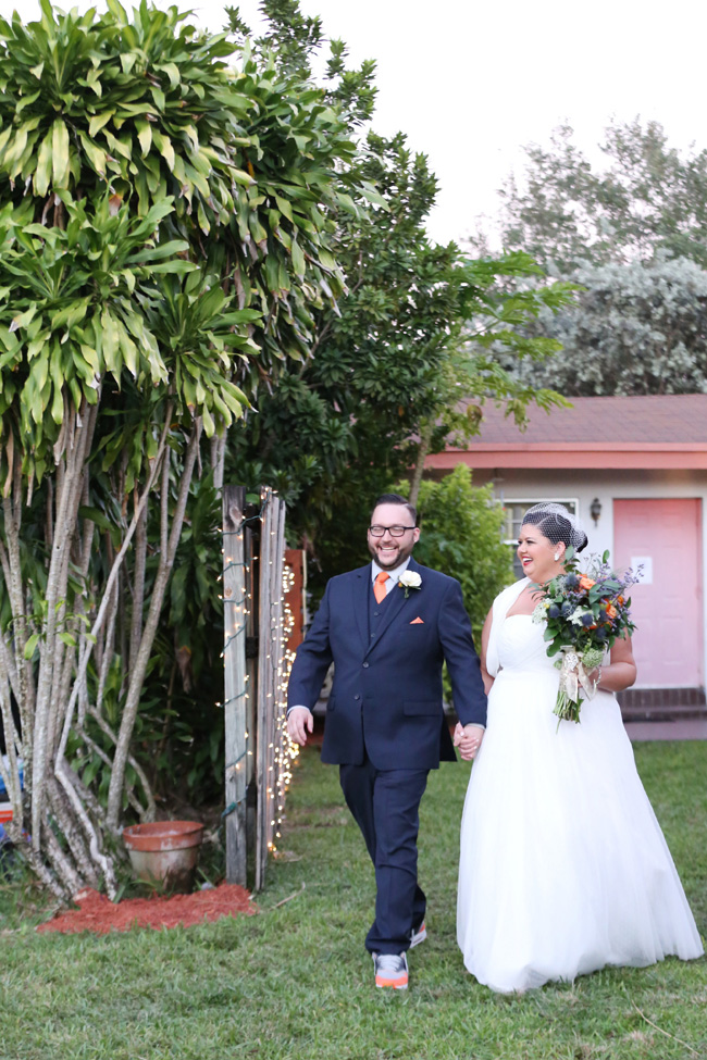 Electric Blue Backyard Wedding In Miami Florida | Photograph by Lindsay Collette  http://storyboardwedding.com/backyard-wedding-miami-florida/