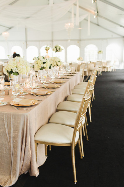 Breathtaking Tented Romantic Wedding At The Oak's Club In Sarasota Florida | Photograph by Ashley Caroline Photography  http://storyboardwedding.com/tented-romantic-wedding-oaks-club-sarasota-florida/
