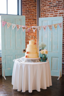 Vintage_Shabby_Chic_Wedding_For_The_Moment_Photography_11-v