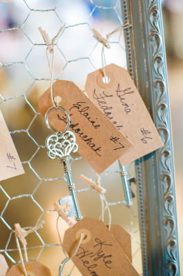 Vintage_Shabby_Chic_Wedding_For_The_Moment_Photography_18-rv