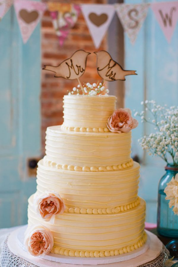 Vintage_Shabby_Chic_Wedding_For_The_Moment_Photography_21-v