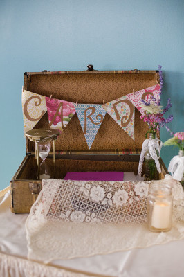Vintage_Shabby_Chic_Wedding_For_The_Moment_Photography_46-lv