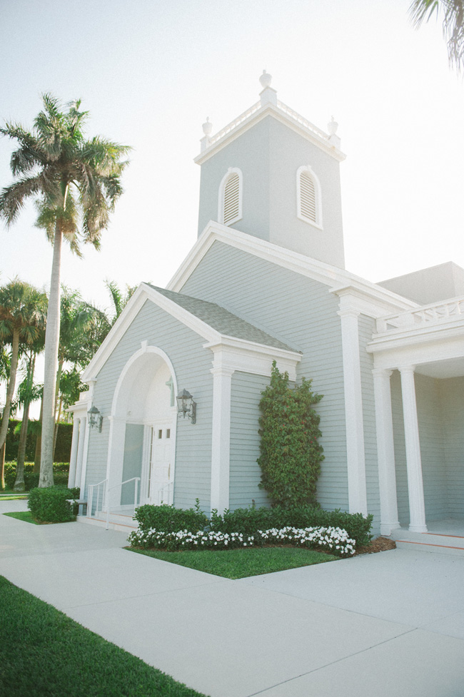 Understated Elegance Palm Beach Wedding At Royal Poinciana Chapel | Photograph by Shea Christine  https://storyboardwedding.com/understated-elegance-palm-beach-wedding-royal-poinciana-chapel/