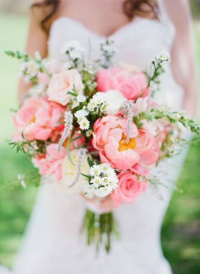 14 Sweetheart Hued Designs That Are Valentine's Wedding Flower Perfect