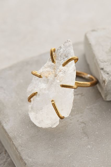 Quartz arrowhead ring