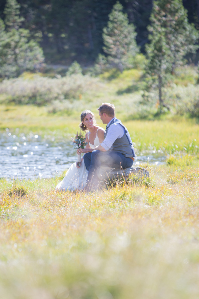 Private Mountain Wedding Nestled Lakeside Along The Sierra Nevada Mountains | Photograph by Kiel Rucker Photography   https://storyboardwedding.com/private-mountain-wedding-lake-sierra-nevada-mountains/