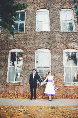Retro Fit Offbeat Wedding At Illinois Starline Factory | Photograph by Lemon Twist Images  http://storyboardwedding.com/retro-fit-literary-offbeat-wedding-illinois-starline-factory/
