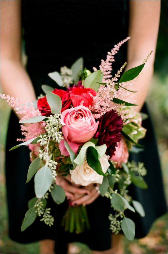 red pink bouquet Jenna Henderson photography cedarwood weddings