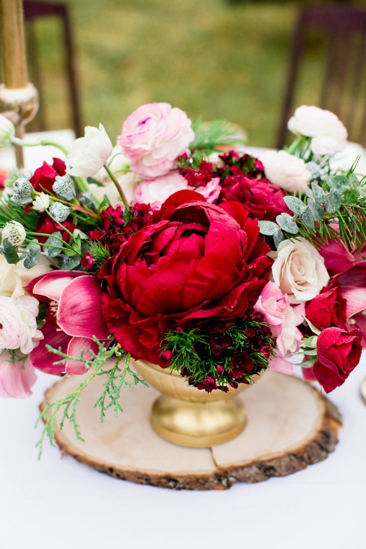 red pink low centerpiece Cassandra Photo
