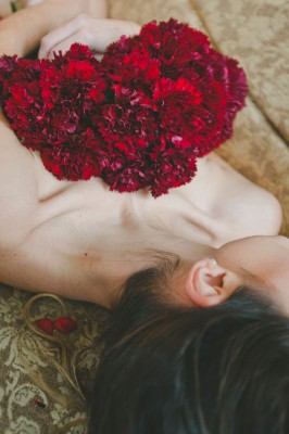 Cozy Indoor Flower Boudoir In Red | Photograph by Alyssa Andrew Photography  http://storyboardwedding.com/cozy-indoor-flower-boudoir/