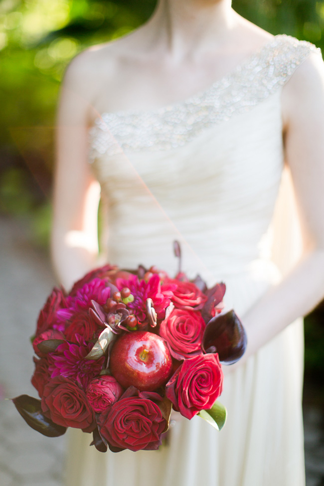 Pomegranate Inspired Chic Botanical Garden Wedding At Snug Harbor | Photograph by Melissa Kruse Photography  https://storyboardwedding.com/pomegranate-botanical-garden-wedding-snug-harbor/