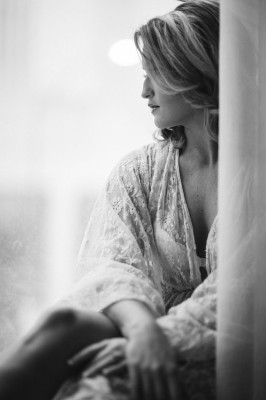Soft_Feminine_Boudoir_Ashley_Noelle_Edwards_Photographs_14-rv