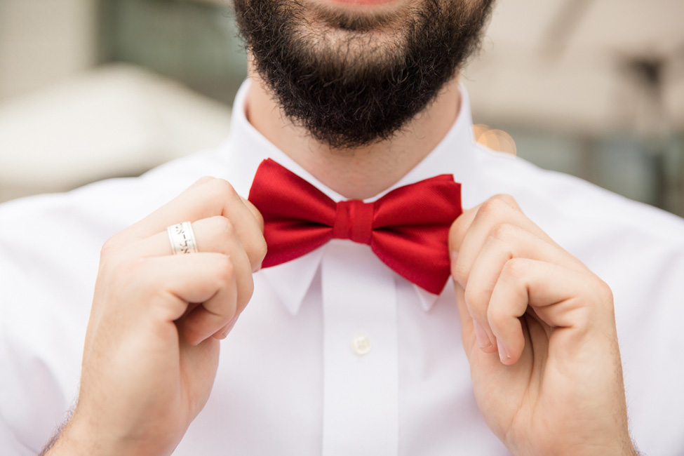 Sophistication With A Slight Retro Air Make For A Crush Worthy Texas Engagement | Photograph by Stacy Anderson Photography  https://storyboardwedding.com/sophistication-retro-texas-engagement/