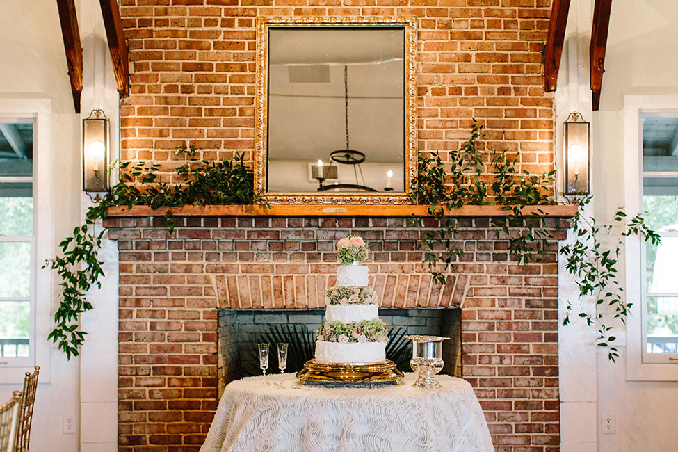Elegant Lowcountry Wedding At Alhambra Hall With A Retro Twist | Photograph by Riverland Studios  http://storyboardwedding.com/elegant-lowcountry-wedding-alhambra-hall/