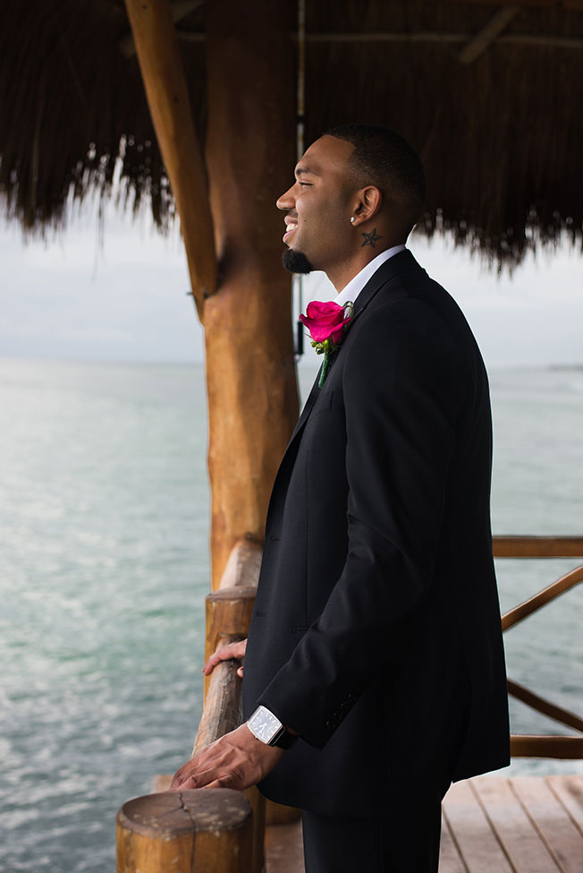 Cinema Like Couple Boudoir Played Out On The Crystal Waters Of Mexico | Photograph by Art Of Her Photography  https://storyboardwedding.com/couple-boudoir-azul-fives-mexico/