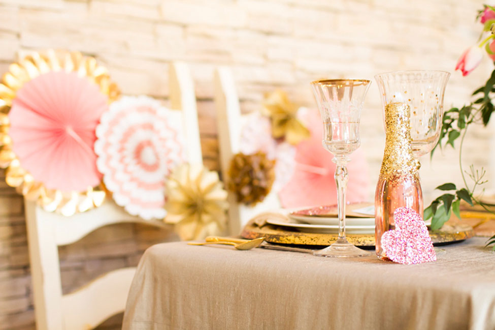 Gorgeously Styled Glamour Table Setting Infused With Metallic Goodness | Photograph by Angie Capri Photography  See The Full Story At https://storyboardwedding.com/styled-glamour-table-setting-metallic/