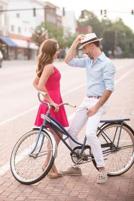 East_Aurora_Vintage_Bike_Engagement_Alyissa_Landri_Photography_13-lv