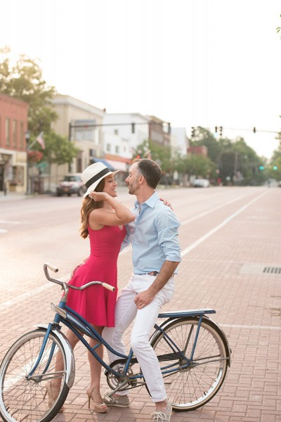 East_Aurora_Vintage_Bike_Engagement_Alyissa_Landri_Photography_4-lv