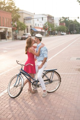 East_Aurora_Vintage_Bike_Engagement_Alyissa_Landri_Photography_4-rv
