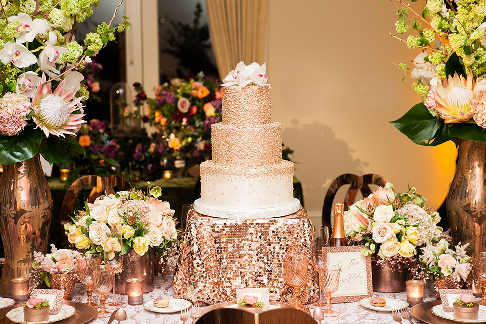 rose gold wedding cake table gold wedding confetti wedding cake 19296