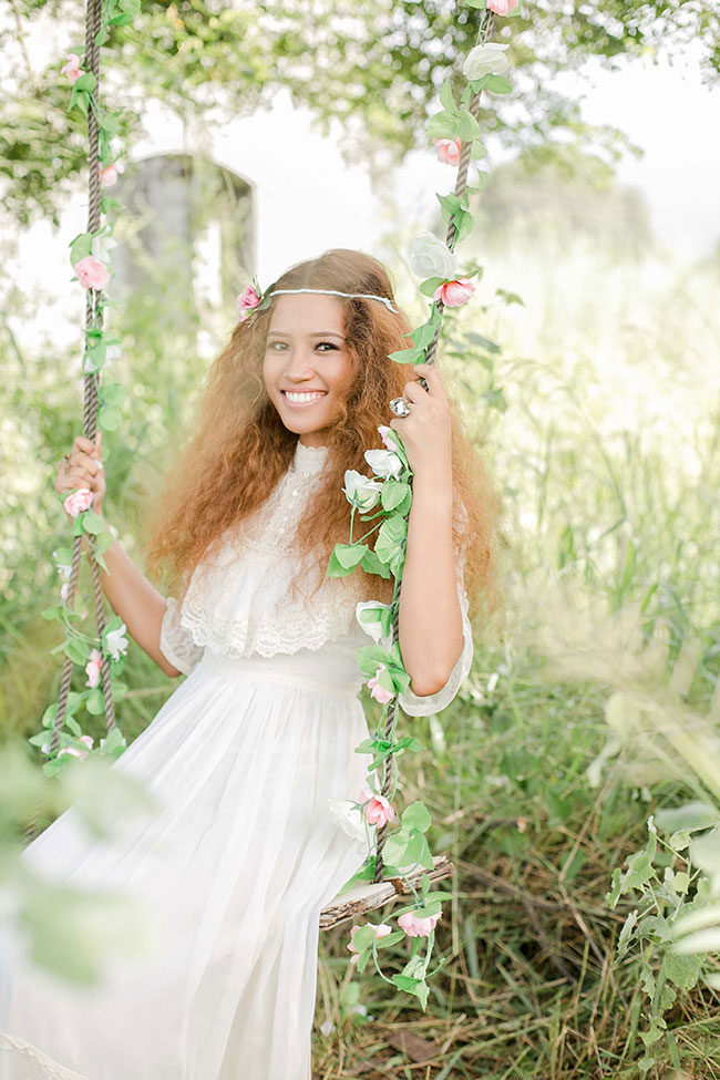 Anne of Green Gables Inspired Vintage Bride Inspiration Shoot | Photograph by Capturing Smiles Photographer | See The Full Story At