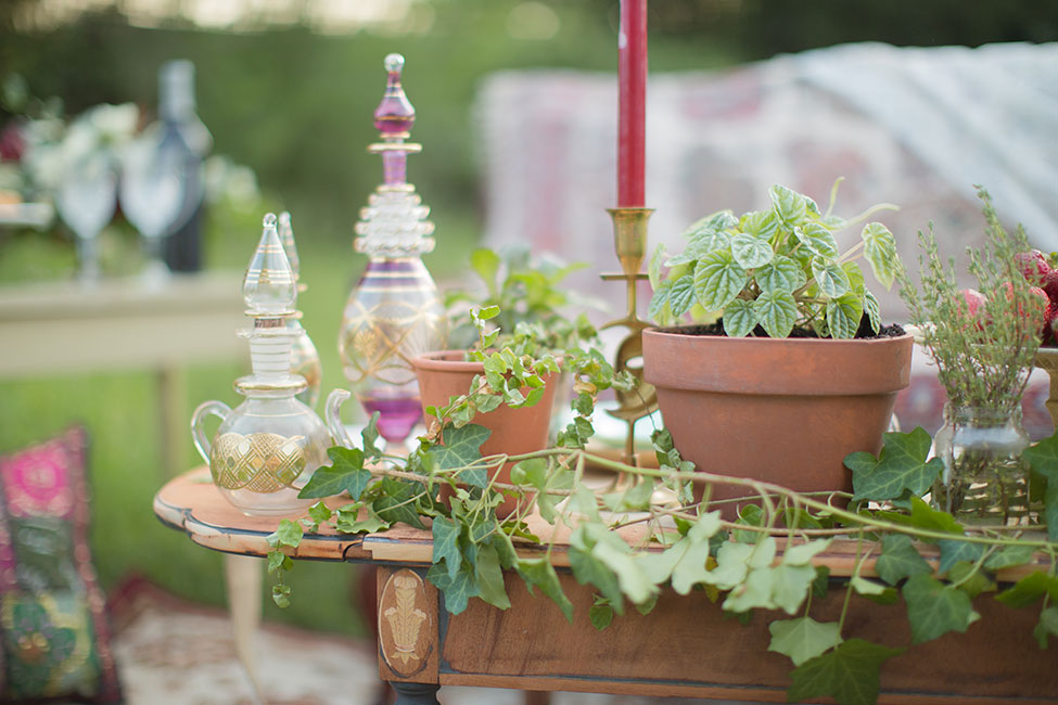 Rich Bohemian Hues Influence This Middle Eastern Wedding Inspiration   Photograph by Simply Green Photography
