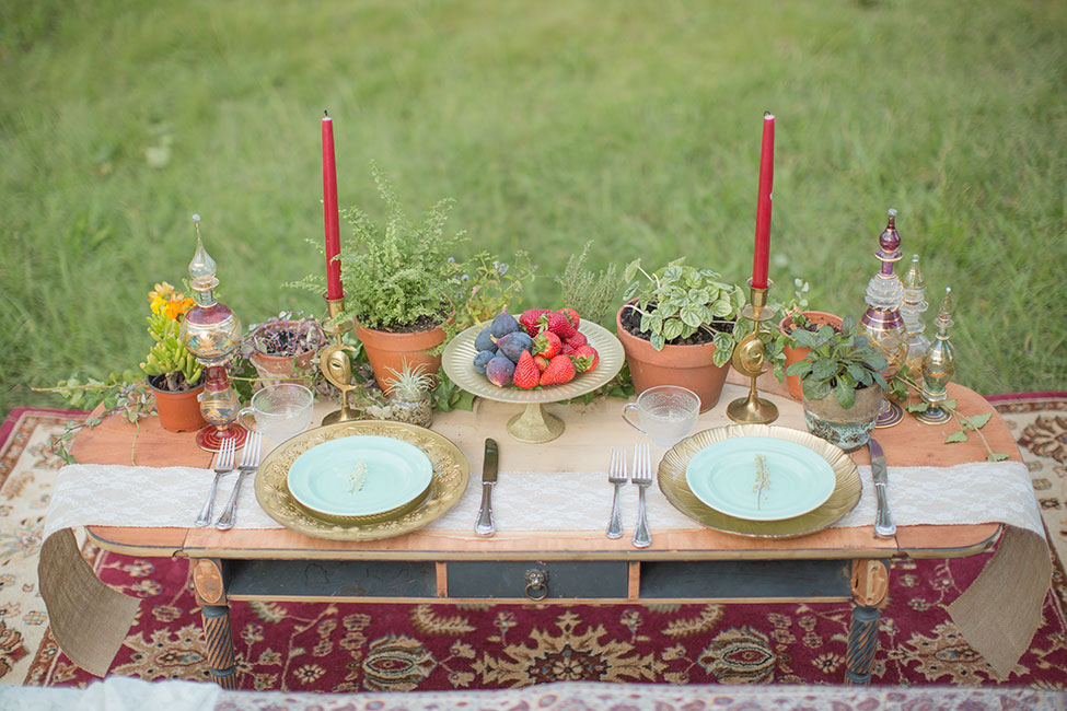 Rich Bohemian Hues Influence This Middle Eastern Wedding Inspiration | Photograph by Simply Green Photography