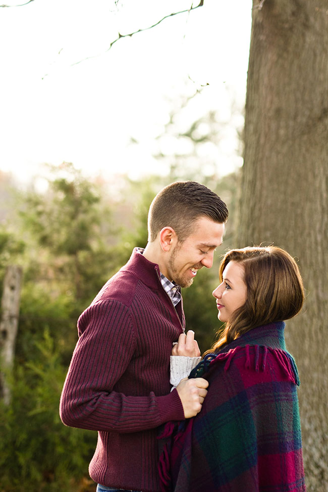 Winery at Kindred Pointe Vintage Fall Picnic Engagement Session | Photograph by Kelley Spurlock  See The Full Story at https://storyboardwedding.com/winery-at-kindred-pointe-vintage-fall-picnic-engagement-session/